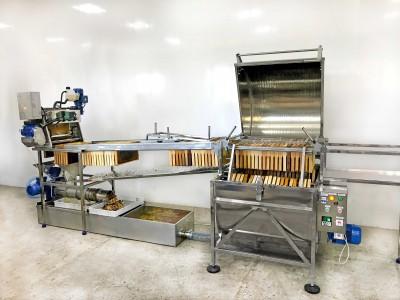 Automatic honey extraction line | Cooperative PAVIK