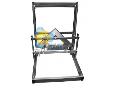 Vertical uncapping machine with sideways knifes